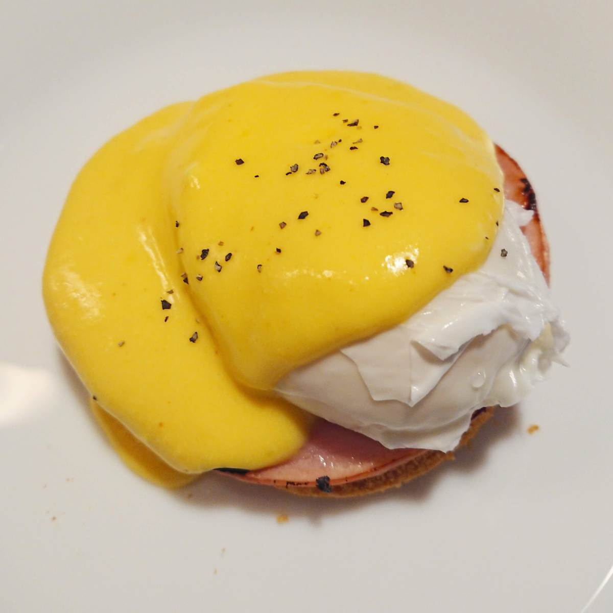 Easy Eggs Benedict with Super Fast Hollandaise